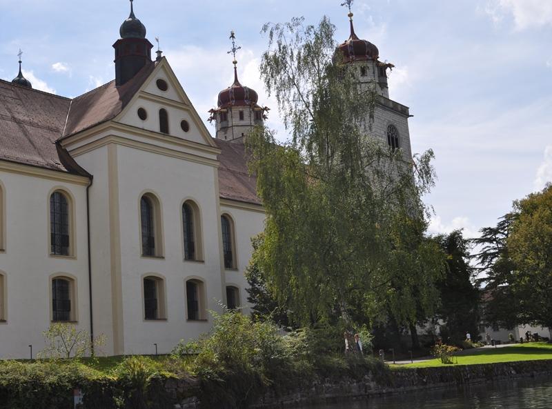 Beim Kloster Rheinau assen wir unser Picknick