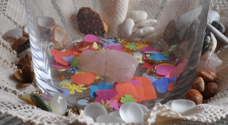 Unsere Glücksträger sind Steine, Muscheln, Bohnen, Knöpfe, Schneckenhäuschen, Glasperlen, ...