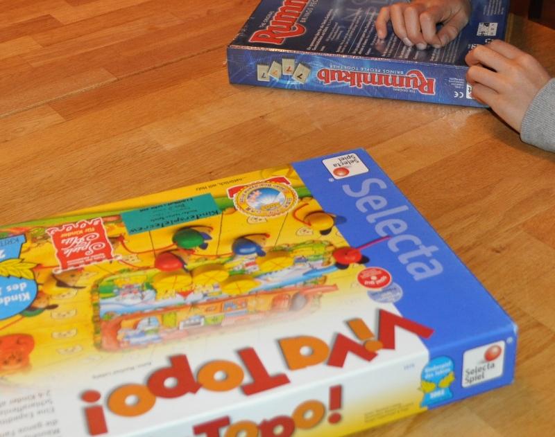 Viva Topo wollte meine Tochter spielen. Mein Sohn wählte das Rummi, welches er zu seinem Geburtstag erhielt. Beide Spiele mag ich gerne.