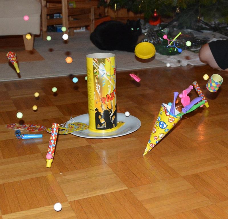 """Tischbomben gefallen den Kindern immer. 2014 hatten wir Gäste, die uns eine """"frische"""" Tischbombe brachten."""