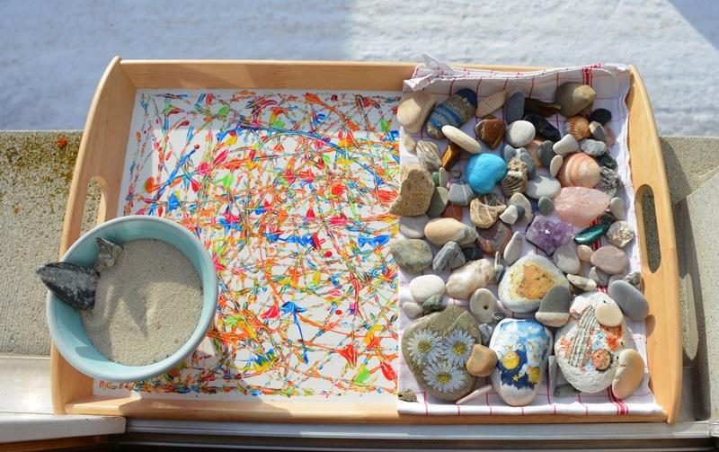 Die Steine dürfen Sonnenenergie tanken.